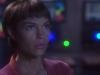 t-pol-interprestata-da-jolene-blalock-subisce-gli-effetti-della-distorsione-spaziale-nell-episodio-ora-zero-della-serie-tv-enterprise-83267