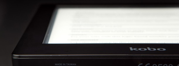 Kobo-Aura-HD-review-bottom-left-port